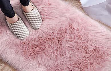 LOCHAS Ultra Soft Faux Fur Sheepskin Area Rug for Bedroom
