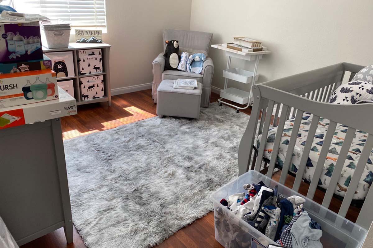 Rainlin Fuzzy Abstract Area Rug for Bedroom1